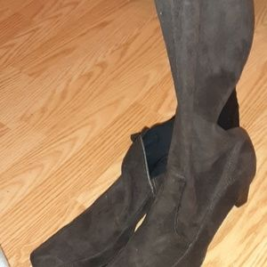 Calf high brown suede boots